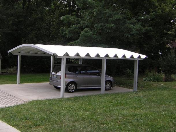 Ein sicher geparktes auto macht die versicherung günstiger